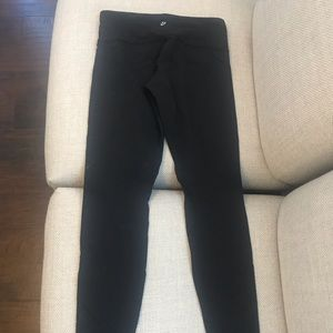 Lululemon Black Wunder under pants size 4